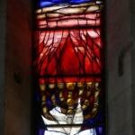 Abendfenster von Sieger Köder in der Michaelskapelle von St. Vitus